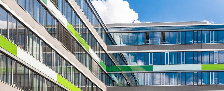 Fachadas ventanas technal 91 141 35 36 for Ventanales elevables